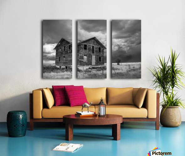 Calm Before The Storm - Red Coat Trail Split Canvas print