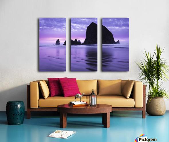 The 1 minute color gap Split Canvas print