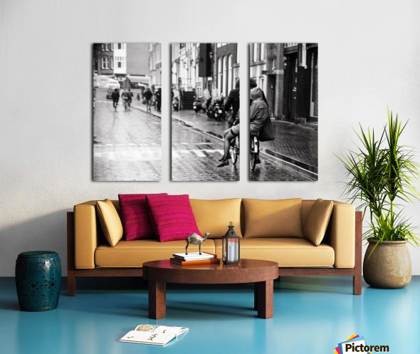 Couple in the rain Split Canvas print