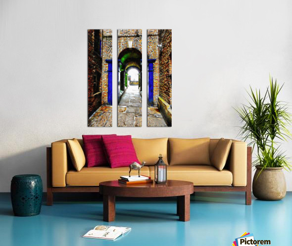 Linking Shad Thames with the River Thames Split Canvas print