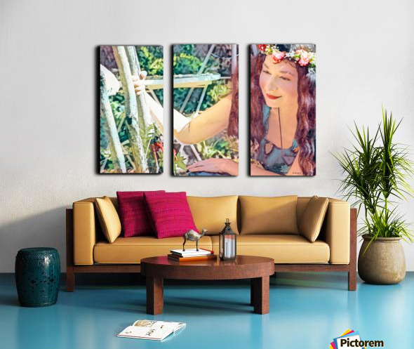 A TINY BEING WITH A BIG MISSION  Photo - Art Collection  3-6 Split Canvas print