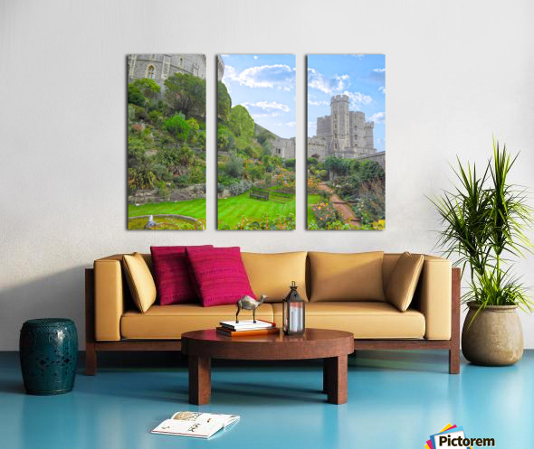 Windsor Castle Under Beautiful Blue Skies - Berkshire United Kingdom Split Canvas print