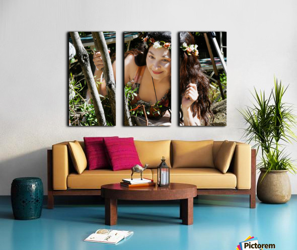 SHOUTING OUT LOUD FOR THE MISSION  Collection 2-6 Split Canvas print