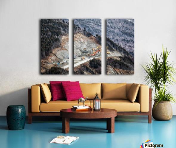 Mountain Moving Split Canvas print