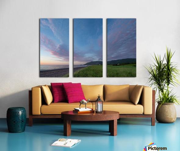 Seeking Glory Split Canvas print