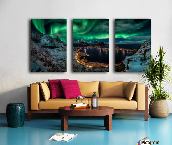 Chasing the Northern Lights Split Canvas print