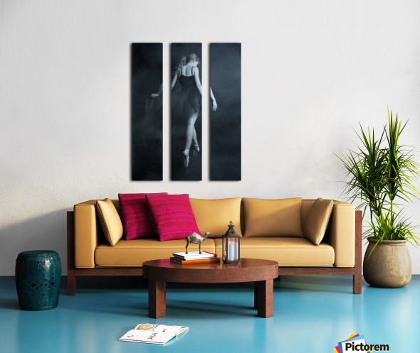 on tip toes Split Canvas print