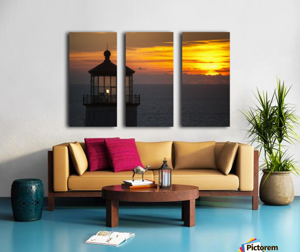 A sunset at North Head Lighthouse; Ilwaco, Washington, United States of America Split Canvas print