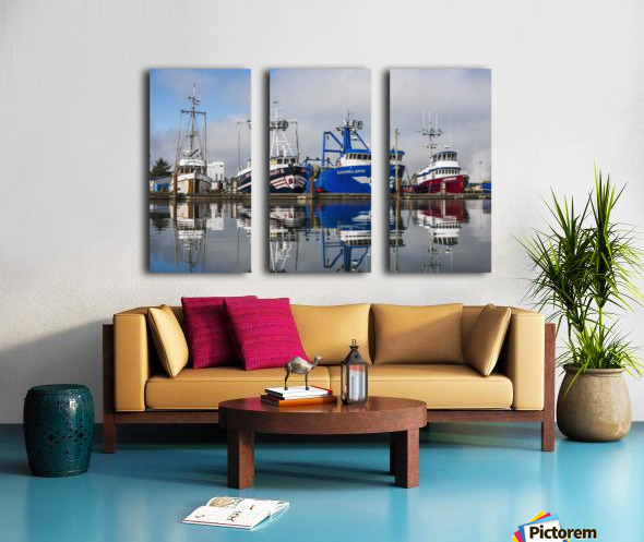 Fishing boats moored at the dock; Warrenton, Oregon, United States of America Split Canvas print