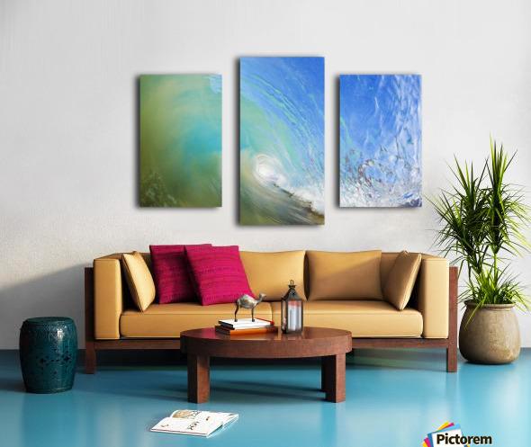 Hawaii, Maui, Makena, Beautiful blue wave breaking at the beach. Canvas print