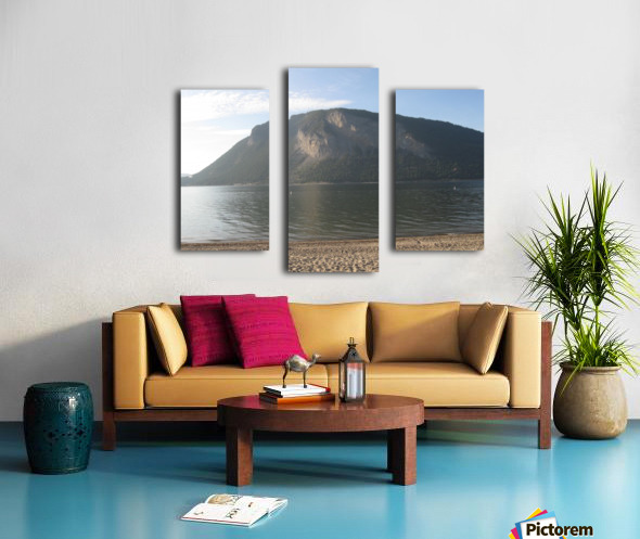 Mount Ida On The Beach Canvas print