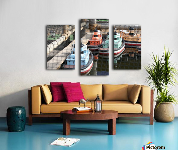 3 Toy Boats Canvas print