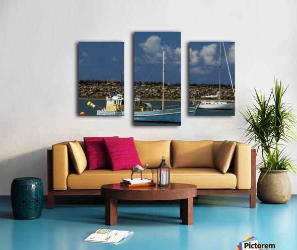 Blue Boat at Apollo Bay 011142609 Canvas print