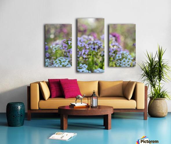 Small Purple Flowers Photograph Canvas print