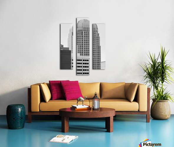 Rosebud In The City Canvas print