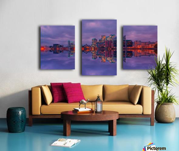 LON 009 Canary Wharf Reflection  Canvas print