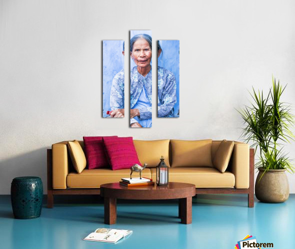 THE BLUE LADY OF HOI AN Canvas print