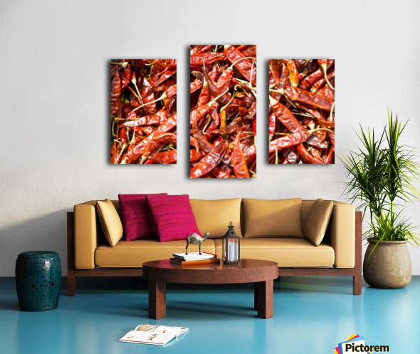 RED CHILLI PEPPERS Canvas print