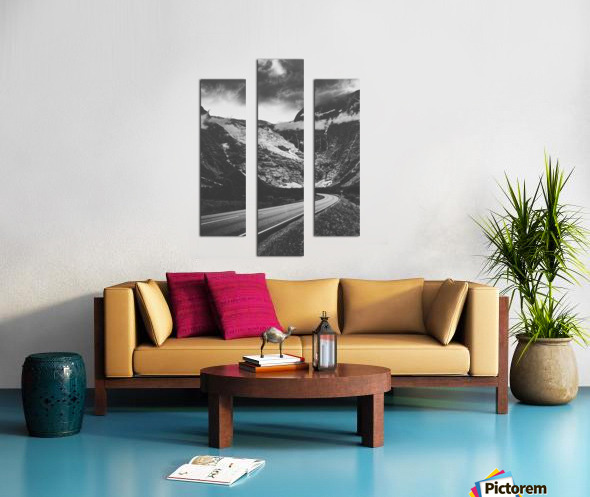 Into the wall of ice Canvas print