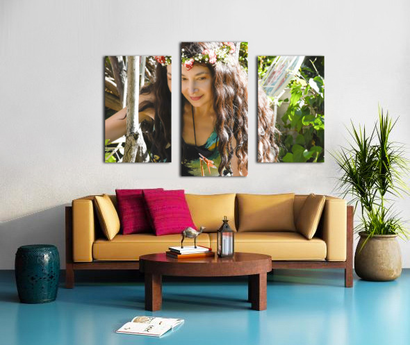 A TINY BEING WITH A BIG MISSION  Collection  1-8 Canvas print