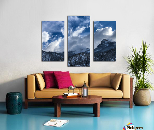 0E75E165 AA2A 4128 A768 000EEE1F6DC2 Canvas print
