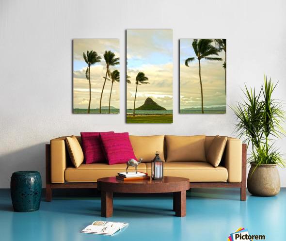 The Island of Mokoli  i from Oahu at Sunset Canvas print