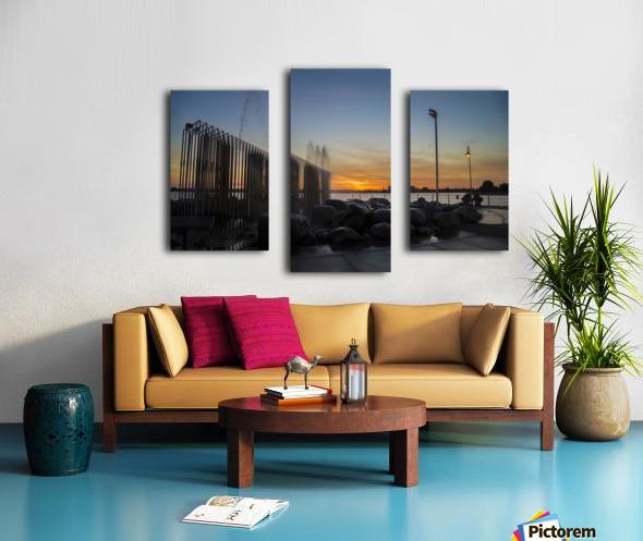 Fountain Sunset Canvas print