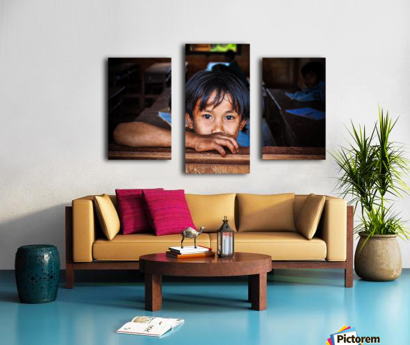 Deep dark eyes Canvas print