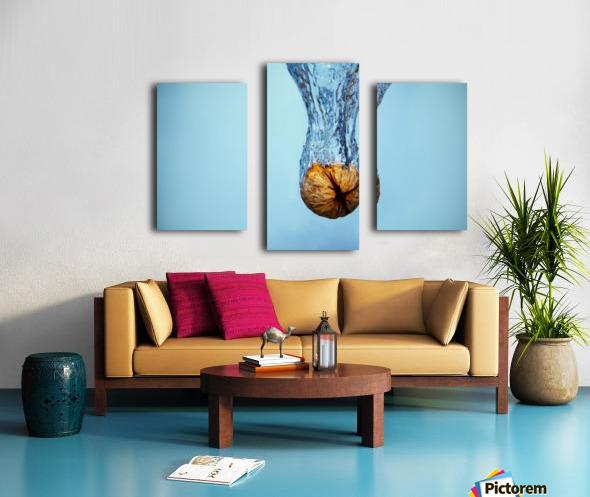 Amazing Walnut water splash Canvas print