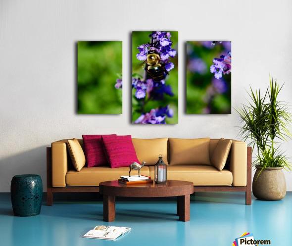 Bumbling Bee 2 Canvas print
