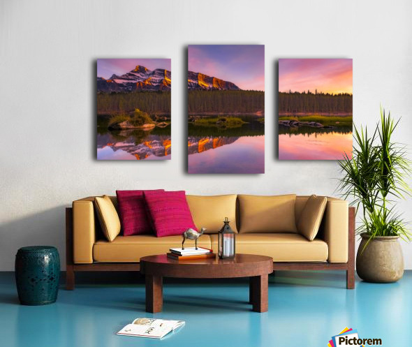 Last Hour Canvas print