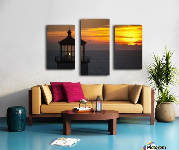 A sunset at North Head Lighthouse; Ilwaco, Washington, United States of America Canvas print