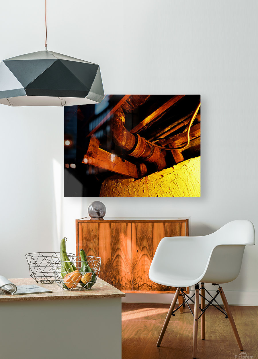 H (1)  HD Metal print with Floating Frame on Back