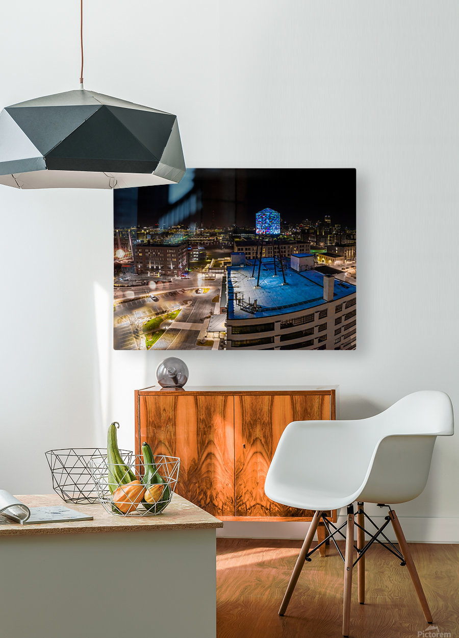 Milwaukee Blue  Impression métal HD avec cadre flottant sur le dos