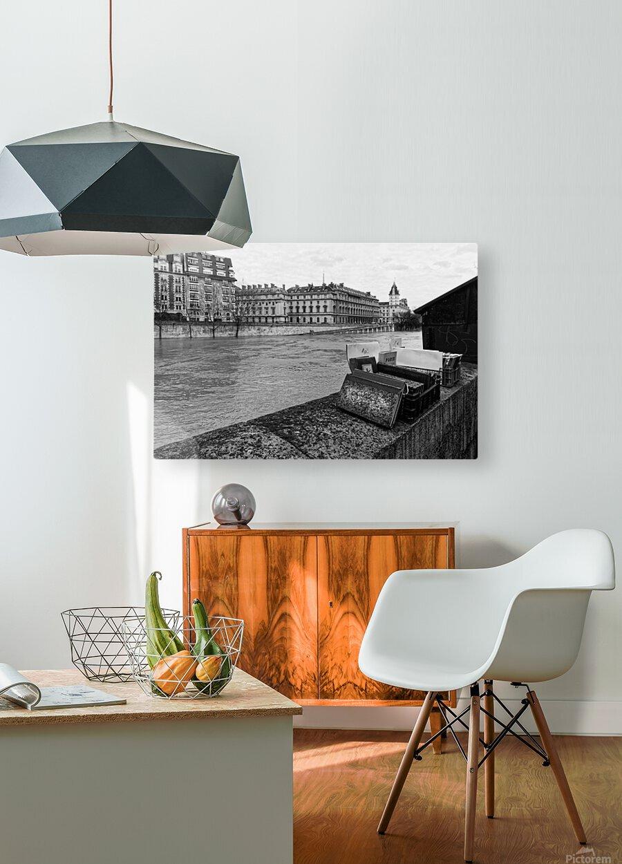Paris quay  Impression métal HD avec cadre flottant sur le dos