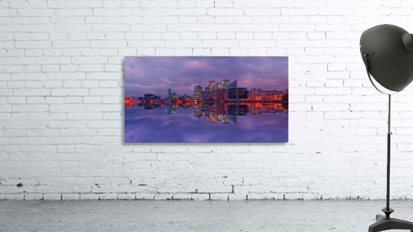 LON 009 Canary Wharf Reflection