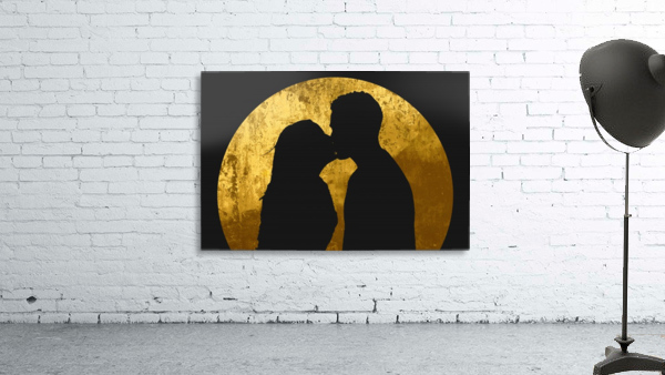 kiss and the moon