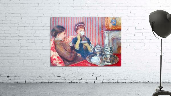 A cup of tea 2 by Cassatt
