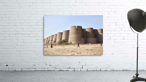 The majestic Derawar Fort in Pakistan