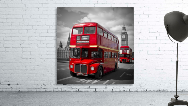 LONDON Red Buses on Westminster Bridge
