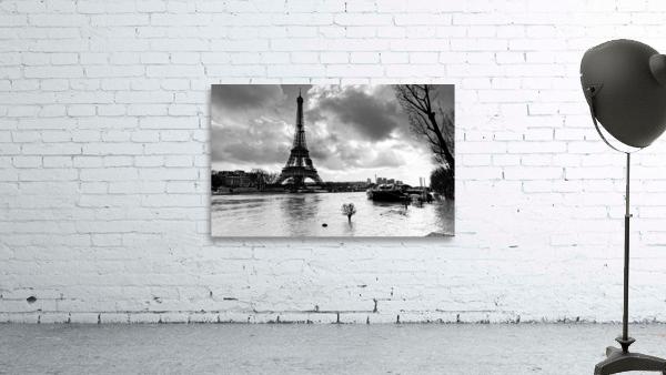 Eiffel tower flood