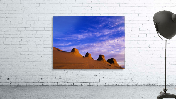 Storms carve sand dunes in peaks; Lakeside, Oregon, United States of America