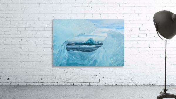 Icebergs on the southern beach near the ice lagoon of Jokursarlon; Iceland