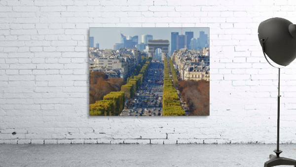 Arc d'Triompe up the Champs Elysees