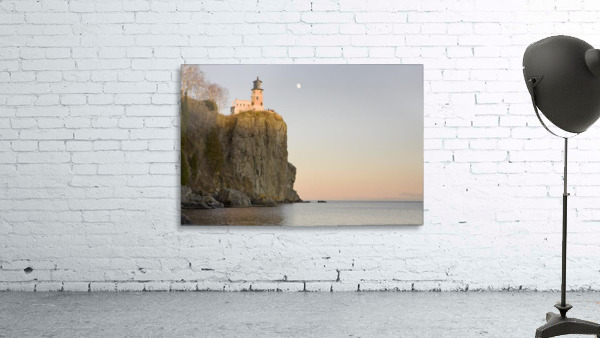 Minnesota, United States Of America; Split Rock Lighthouse On The North Shores Of Lake Superior With A Full Moon In The Sky