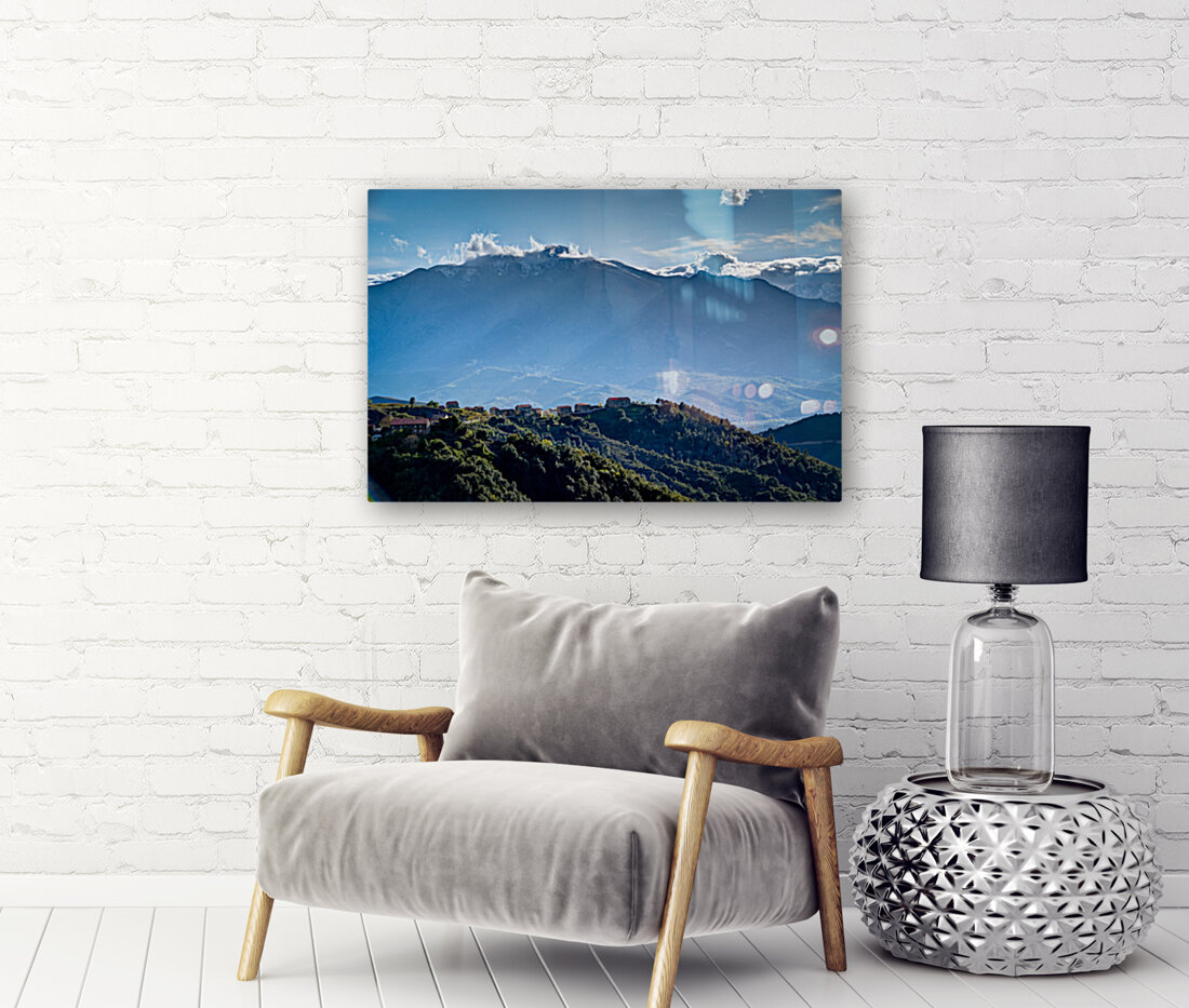 Corsica with Floating Frame