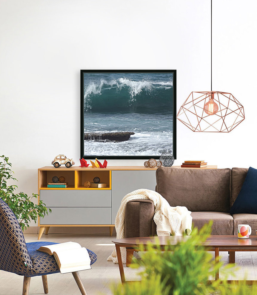 Breaking Wave with Floating Frame