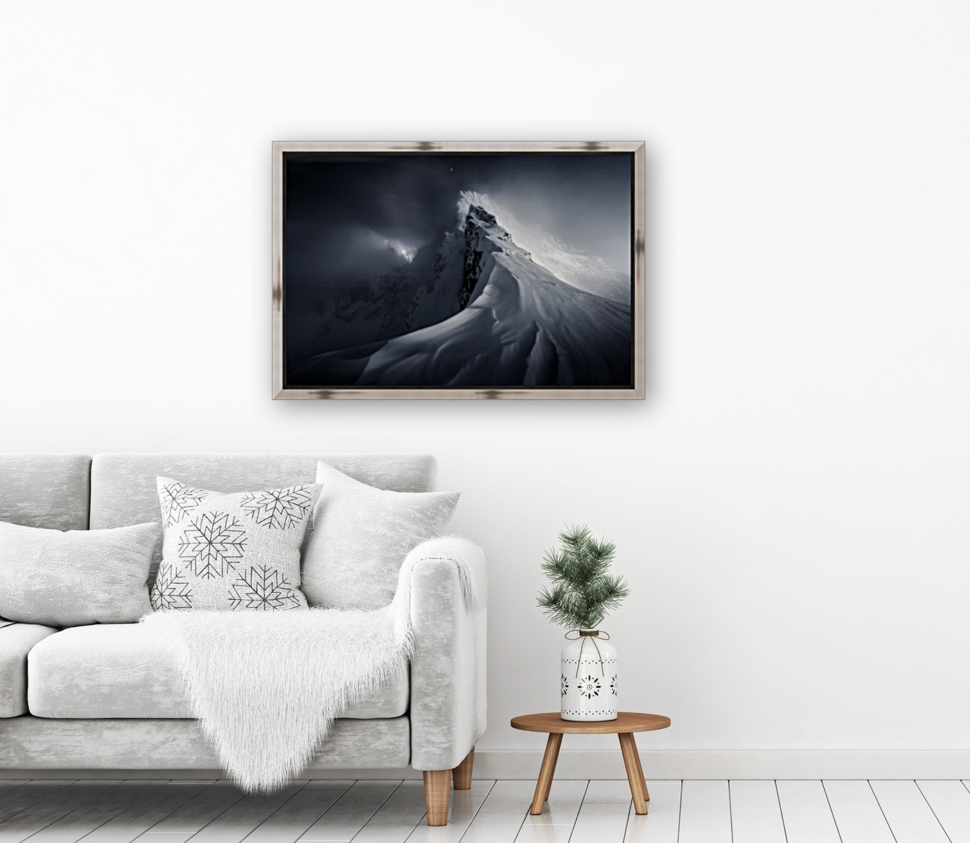 Crown of High Tatras with Floating Frame