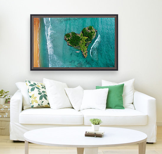 LOVE ISLAND with Floating Frame