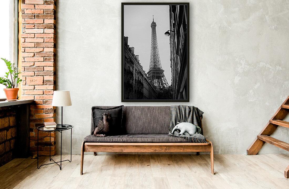 Under the Eiffel tower   Art
